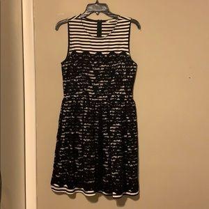 Soprano black and white medium dress